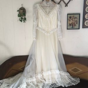 Vintage Victorian Style Wedding Gown